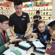 Những chuyện 'lạ lùng' trong ngày đầu tiên mở bán Galaxy Note 9