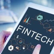 Đầu tư công nghệ: hướng phát triển bền vững cho ngành ngân hàng