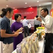 Đẩy mạnh kết nối thị trường và đăng ký chỉ dẫn địa lý cho hàng Việt