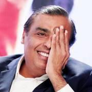 Khi tỷ phú giàu nhất Ấn Độ 'làm cách mạng viễn thông'