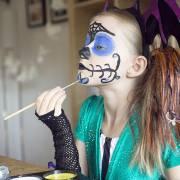 Vui Halloween, coi chừng rước bệnh với… sơn mặt