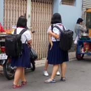 Thức ăn đường phố, phạt là giải quyết được sao?