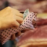 Người Trung Quốc có thể phải móc ví nhiều hơn vì căng thẳng thương mại