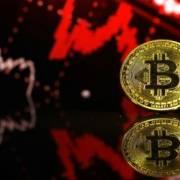 Bitcoin tiếp tục giảm giá mạnh