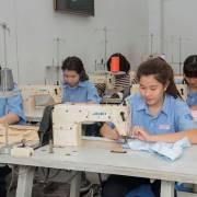 CPTPP: Cái khó của dệt may