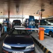 Bộ GTVT yêu cầu các trạm thu phí BOT 'thủ công' xả trạm khi ùn tắc dịp lễ