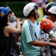 Cảnh báo ở Hà Nội và TP.HCM: nguy hiểm bụi mịn đi thẳng vào phổi