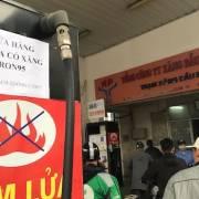 Nhiều cây xăng Hà Nội dừng bán RON 95