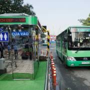 Xe buýt tốt, dại gì đi xe máy?
