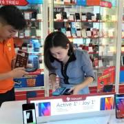 Smartphone Việt: ra đi chưa tính ngày lấy vé 'khứ hồi'