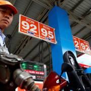 Giá xăng dầu giảm nhẹ đầu năm