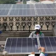 Người dân TP.HCM lắp điện mặt trời sắp được trả tiền điện