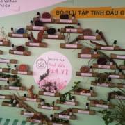 Bộ sưu tập hơn 40 loại tinh dầu của cô gái Đồng Tháp