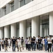 Nhân viên Huawei mang 'văn hóa sói' vào cuộc đối đầu với Mỹ