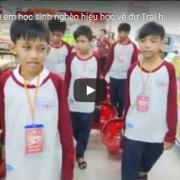 [Video] 100 học sinh nghèo hiếu học về dự Trại hè Đại sứ hàng Việt tí hon lần 9