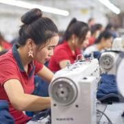 EU, Mỹ tạm ngưng nhập hàng dệt may Việt Nam