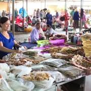 Chợ truyền thống: câu chuyện về những người bị bỏ lại