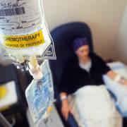 Lập lờ thông tin trị ung thư: nguy hiểm khôn lường
