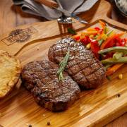 Đến thời ăn thịt đỏ thoải mái?