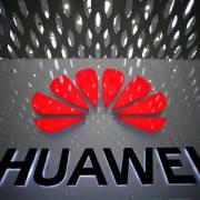 Huawei chi gần 300 triệu USD thưởng nhân viên nỗ lực vượt lệnh cấm của Mỹ