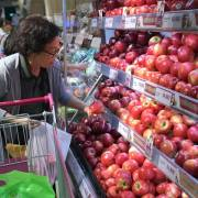 Trái cây ngoại ồ ạt vào Việt Nam