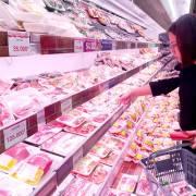 TP.HCM khuyến khích người dân sử dụng thịt heo đông lạnh