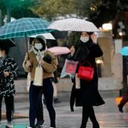 Nhật Bản mở rộng diện đối tượng phải xét nghiệm virus Corona mới