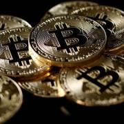 Giá Bitcoin tiếp tục lập kỷ lục, vượt ngưỡng 50.000 USD