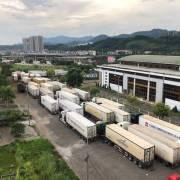 Trung Quốc tăng kiểm soát, hàng tồn tại cửa khẩu lại tăng