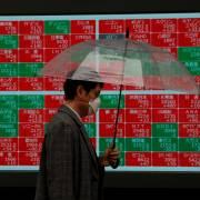 Nhiều chuyên gia dự đoán về nguy cơ suy thoái kinh tế toàn cầu