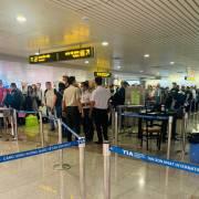 Cách ly tất cả khách đến từ các nước ASEAN nhập cảnh Việt Nam