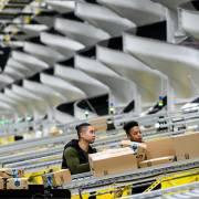 Amazon sẽ sa thải nhân viên vi phạm cách ly xã hội