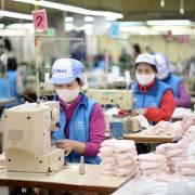 Doanh nghiệp Việt nhận nhiều đơn hàng khẩu trang từ thế giới