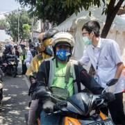 Indonesia miễn, giảm 50% tiền điện cho người dân