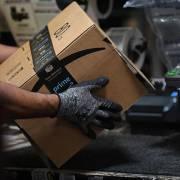 Amazon giữ lại 70% lao động được thuê trong mùa Covid-19