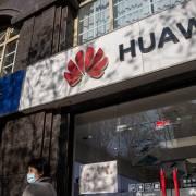 Mỹ siết chặt nguồn cung chip toàn cầu đối với Huawei