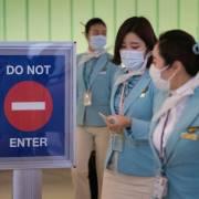 Hàn Quốc bắt buộc đeo khẩu trang trên các chuyến bay