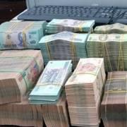 Doanh nghiệp 'khát' vốn, ngân hàng thừa tiền