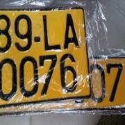 Taxi công nghệ cũng phải đổi sang biển số màu vàng
