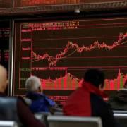 Nhà đầu tư hoảng loạn bán tháo cổ phiếu Trung Quốc
