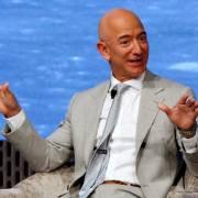Jeff Bezos trở thành tỷ phú 200 tỷ USD đầu tiên trên thế giới