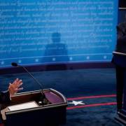 Bầu cử Mỹ 2020: Màn 'so găng nảy lửa' giữa Donald Trump và Joe Biden