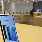 Samsung được phép bán màn hình cho Huawei