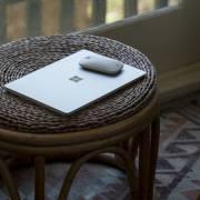 Surface Laptop Go ra mắt với giá từ 549 USD
