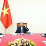 Thủ tướng Nguyễn Xuân Phúc mời Thủ tướng Nhật Bản thăm chính thức Việt Nam