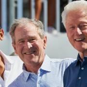 Ba cựu tổng thống Mỹ tình nguyện tiêm vắc xin Covid-19 công khai