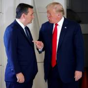 Chiến dịch 'lật kèo' phút chót của ông Trump?