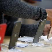 Sản lượng smartphone Huawei giảm mạnh