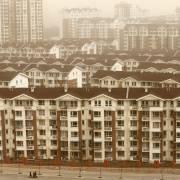 Trung Quốc đối mặt rủi ro bất động sản và tín dụng