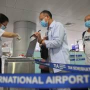 Đề xuất hạn chế chuyến bay từ nước có biến thể mới của SARS-CoV-2